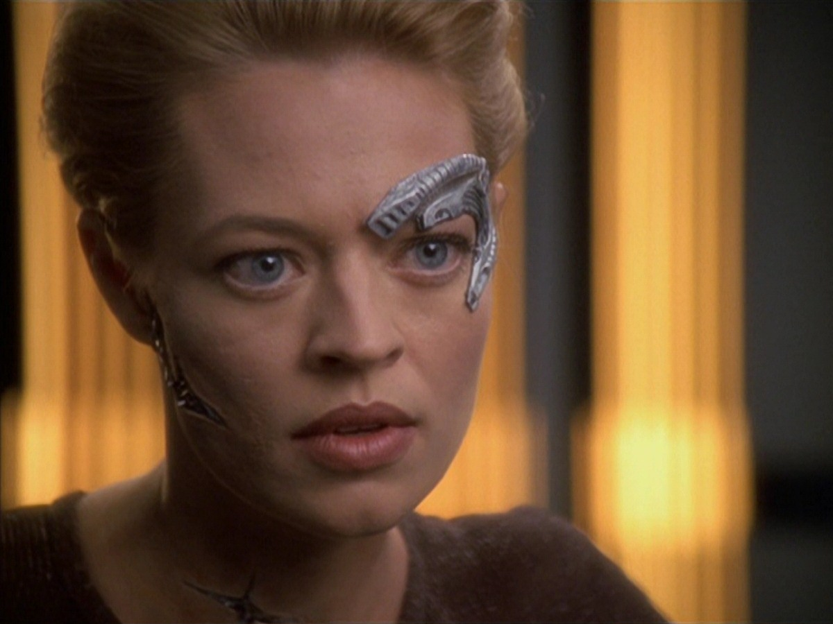 extant_StarTrek_VOY_7x02-Imperfection_3272.jpg